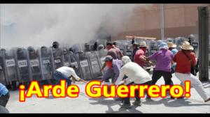 ¡Arde Guerrero! Causa y Efecto. #TodosSomosAyotzinapa. Palacio de Gobierno de Guerrero.