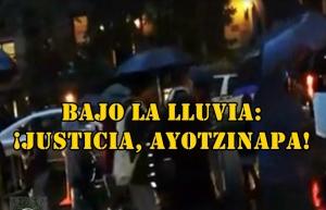 Pese a la lluvia, así se exige JUSTICIA en NYC. Ayer, durante la Jornada Mundial por #Ayotzinapa.