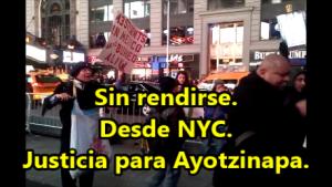 Batman protesta para exigir justicia por Ayotzinapa con los mexicanos en NYC. #YaMeCansé14.