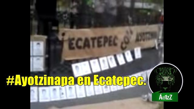 Padres de normalistas de Ayotzinapa en Ecatepec.