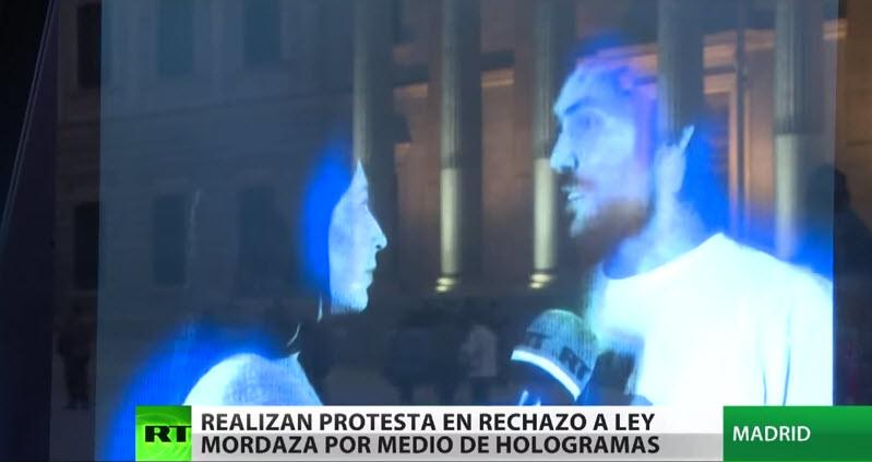 Ante la #LeyMordaza en España, miles se manifiestan ¡siendo hologramas!
