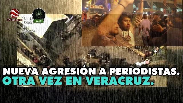 ¡Viva México! ¡Viva! Vamos a dar El Grito. ¡Muera el mal gobierno!