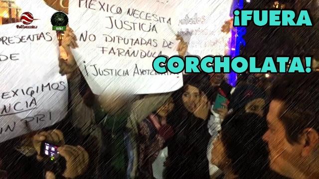 Protestan en Bolivia por la llegada de 'La Corcholata', Carmen Salinas.