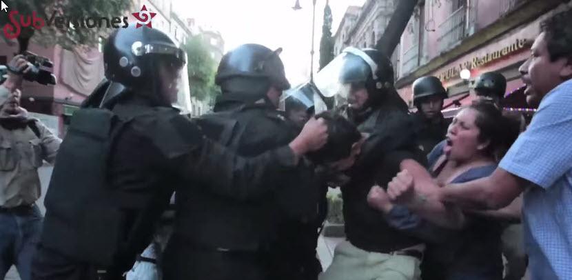 #2DeOctubreNoSeOlvida. Policías arrebatan un menor de edad a su familia. (Videos de la represión)