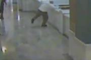 Acusado de triple asesinato se lanza al vacío en un tribunal de Ohio (video viral)