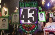 Ayotzinapa: Marcha de las antorchas en CDMX. Las familias de los 43 mantienen el plantón: