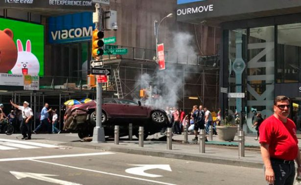 Automóvil atropella a varias personas en Times Square, Nueva York. Descartan atentado. (Video e imágenes)