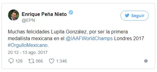 EPN se cuelga la Medalla de Plata de Lupita González