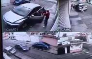#Videos Roban auto en Ecatepec, la policía los persigue, hiere a dos y mata a una joven de 14 años
