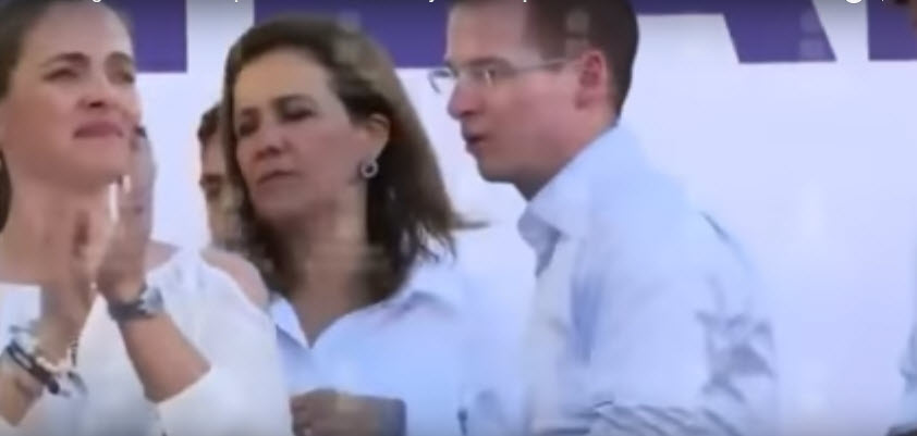 Exhiben en video pleito entre 'La Calderona' y el chacal de Puebla, Moreno Valle, en pleno acto público